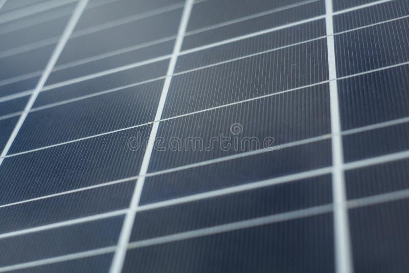 сбережения способные к возрождению будущей панели энергии крупного плана фотовольтайческие солнечные стоковые фото