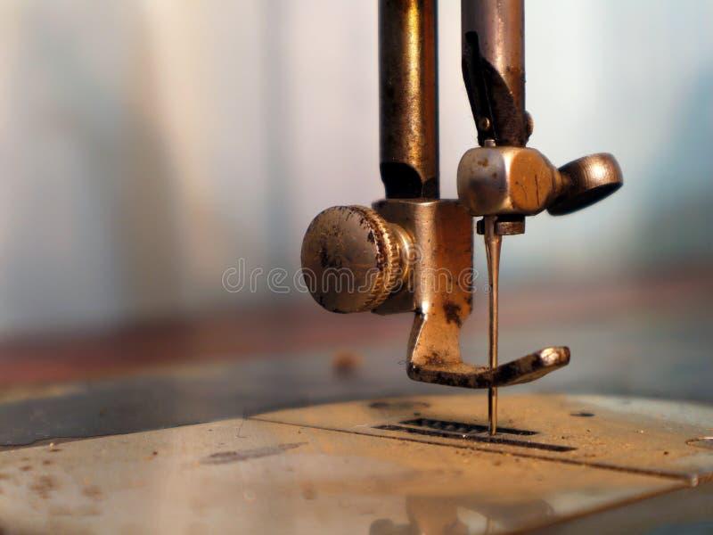 сбор винограда машины старый Нога Presser старой швейной машины стоковое фото rf