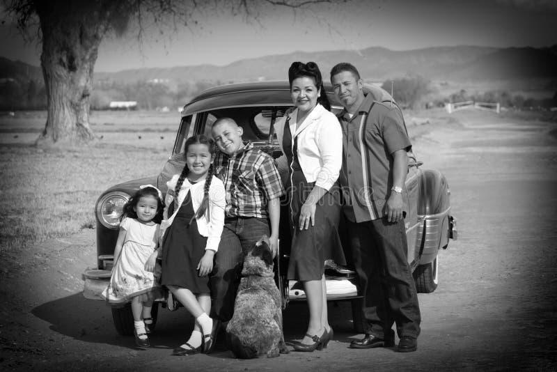 сбор винограда портрета семьи стоковые фотографии rf
