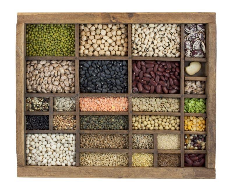 сбор винограда разнообразия семян зерен коробки фасолей стоковая фотография