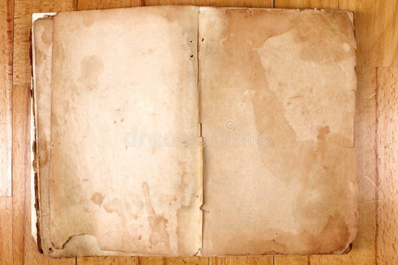 сбор винограда таблицы сообщения книги стоковая фотография rf