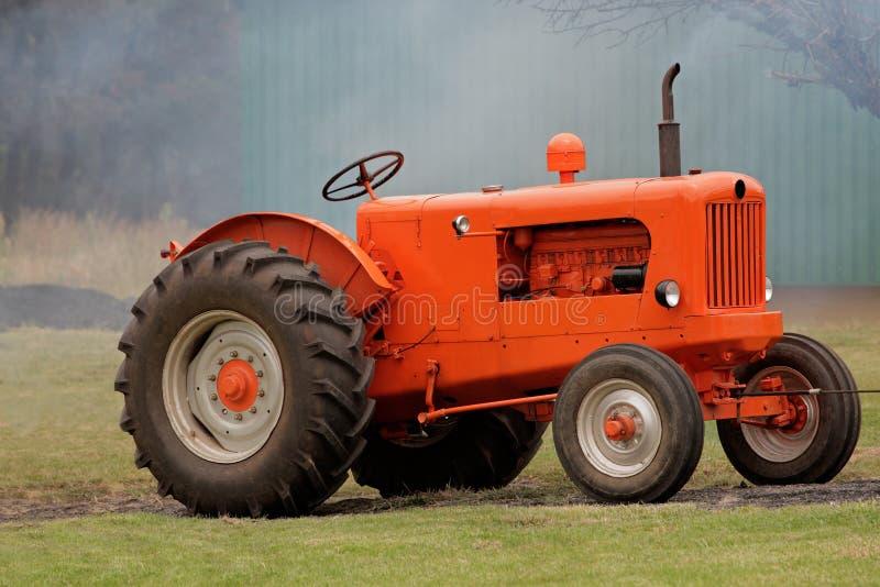 сбор винограда трактора стоковое фото rf