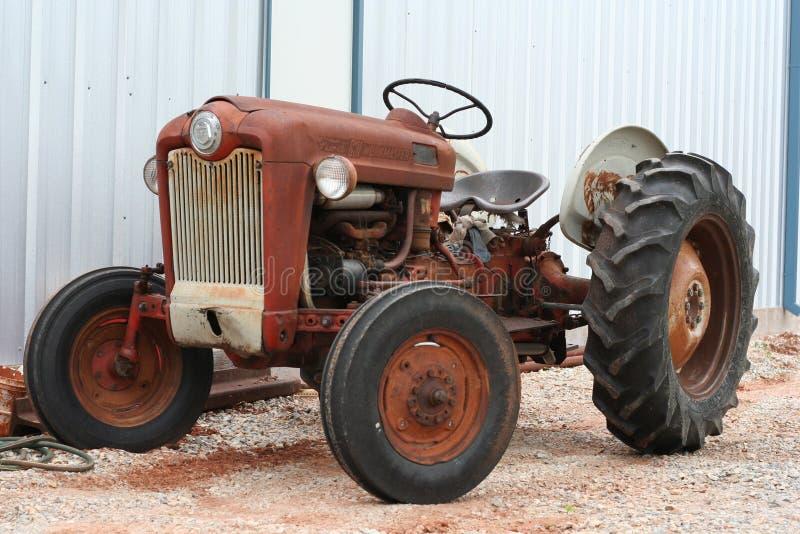 сбор винограда трактора стоковое изображение rf