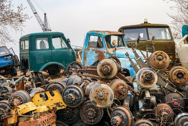 Сброс старых советских автомобилей стоковые изображения rf