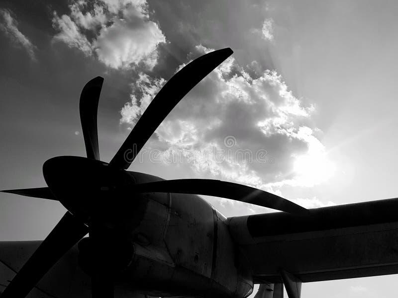 сброшенный авиаполем пропеллер сброса старый плоский стоковое фото