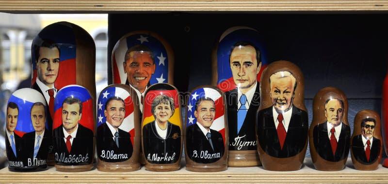 сбывание русского портретов политикана кукол стоковое изображение