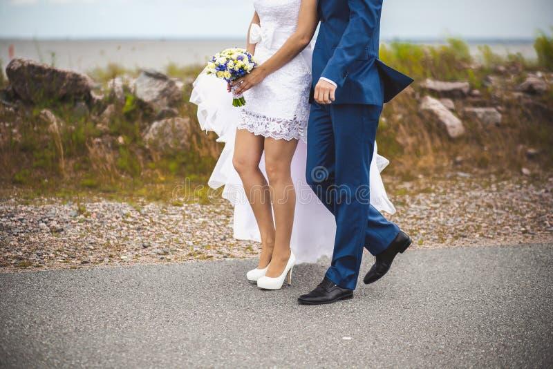 Свадьба, кольцо, невеста, groom, утеха, точность воспроизведения, романс, счастье стоковое изображение rf