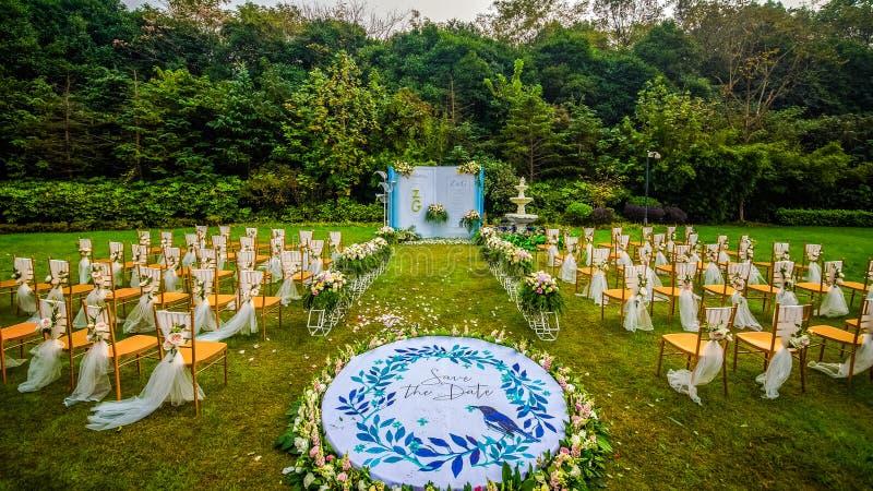 Свадьба основанная на цветках стоковая фотография rf
