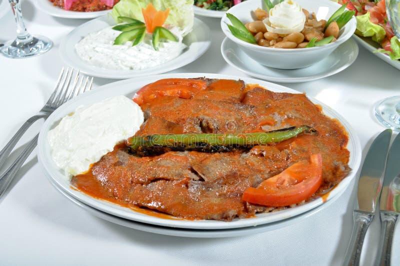 Сваренное мясо, kebap iskender стоковые изображения