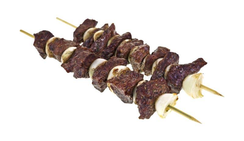 Сваренные kabobs говядины и лука стоковое изображение rf