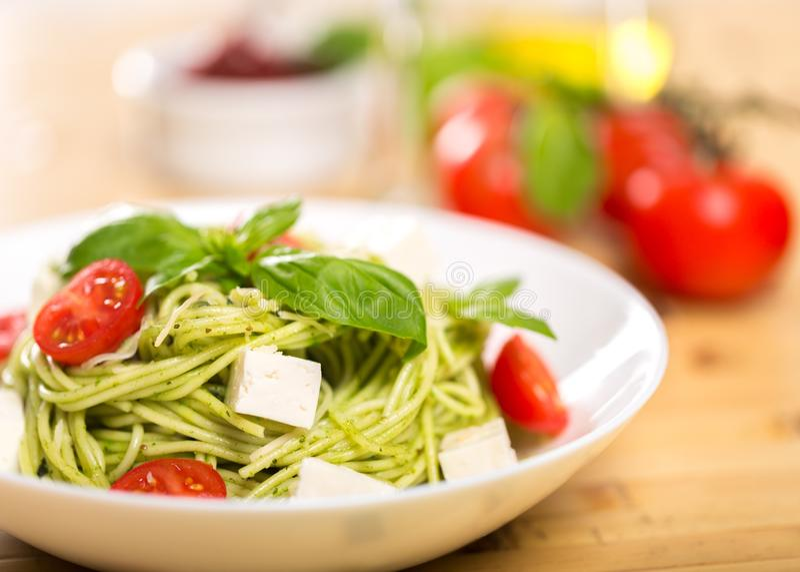 Свежая еда макаронных изделий Linguine стоковые изображения rf