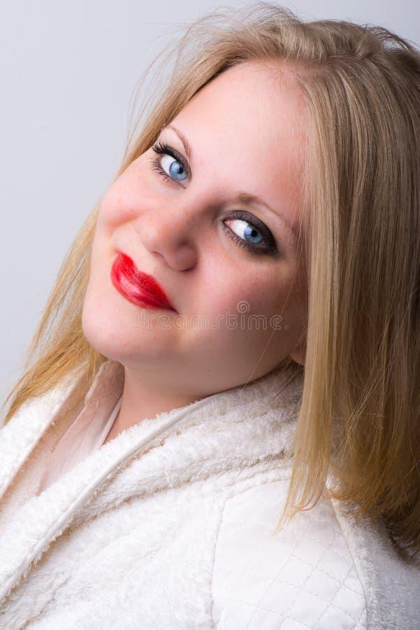 Свежая здоровая молодая женщина на спе стоковое фото