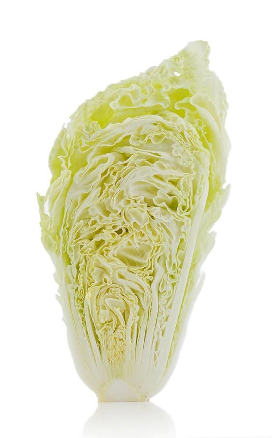 Свежая китайская капуста на белой предпосылке стоковое фото