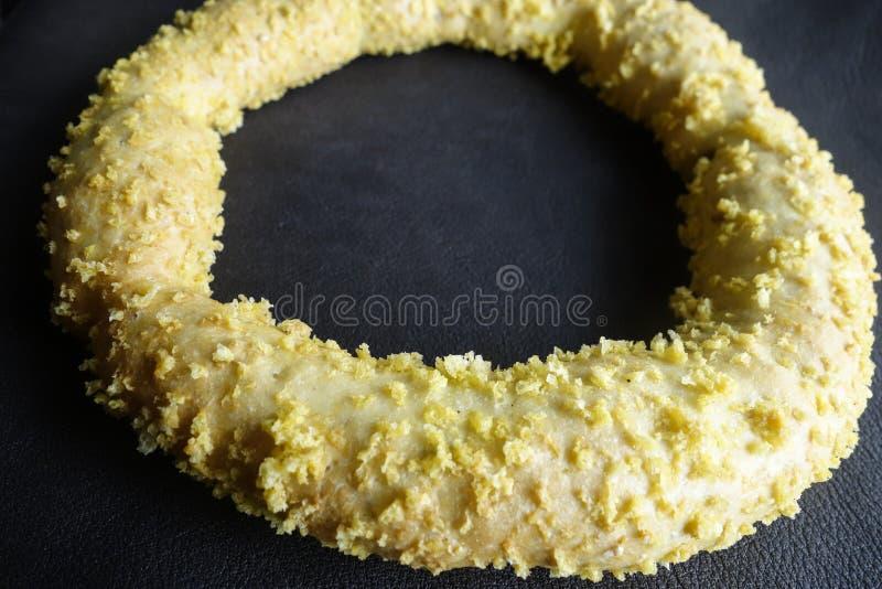 Свежее греческое кольцо Koulouri хлеба сезама стоковые изображения