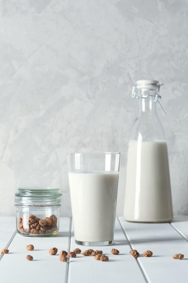 Свежее органическое питье horchata подготовило в Valensia, Испании стоковые изображения rf