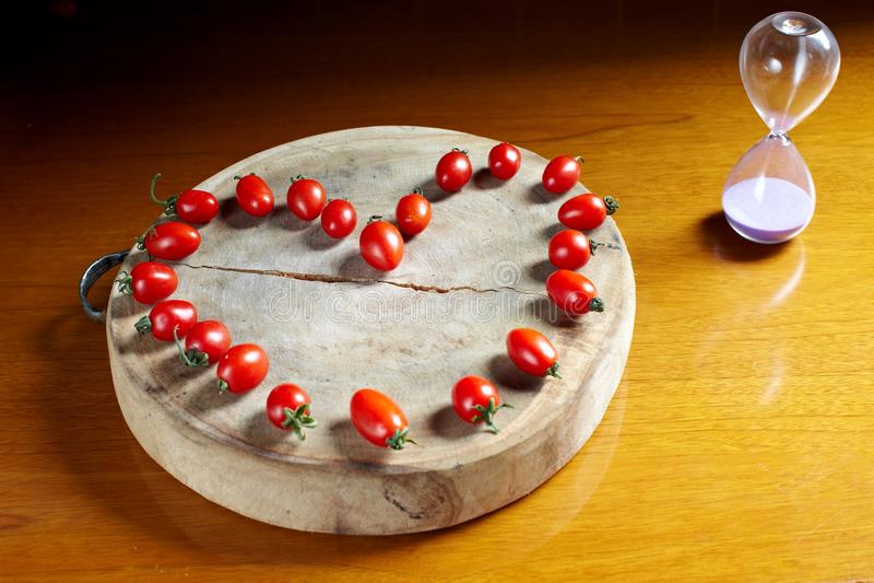 Свежее сердце томата вишни стоковое фото rf