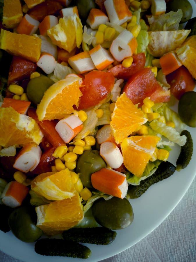 Свежее salade с цитрусом, овощами и surimi стоковые изображения rf