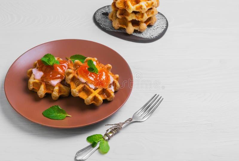 Свеже мягко толщиной бельгийские waffles стоковая фотография rf