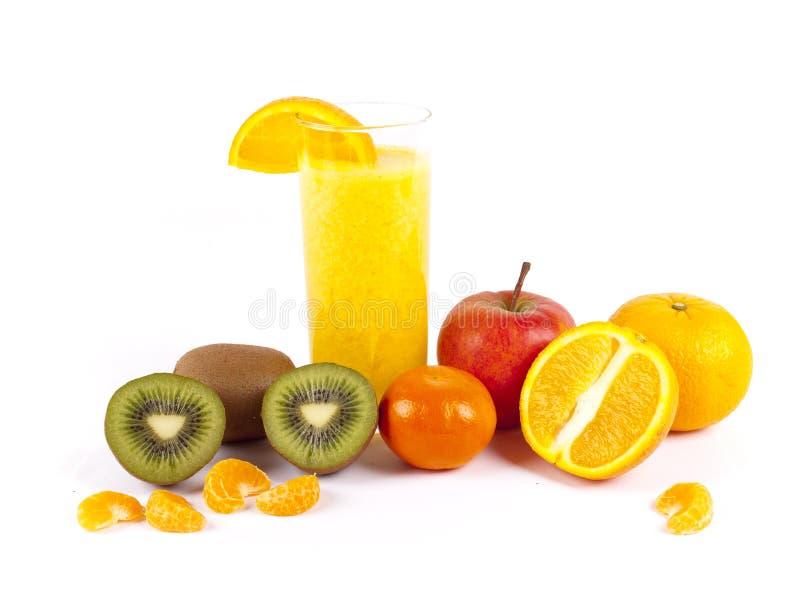 Свеже сжиманный фруктовый сок стоковые изображения rf