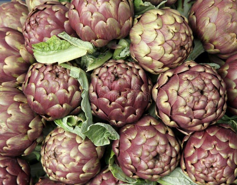 Download Свежие артишоки для продажи на Vegetable рынке 4 Стоковое Фото - изображение насчитывающей членистоногого, среднеземноморск: 37927712