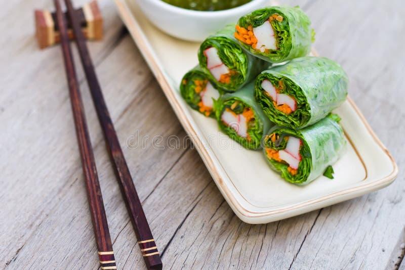 Свежие блинчики с начинкой, въетнамский стиль еды стоковые изображения rf