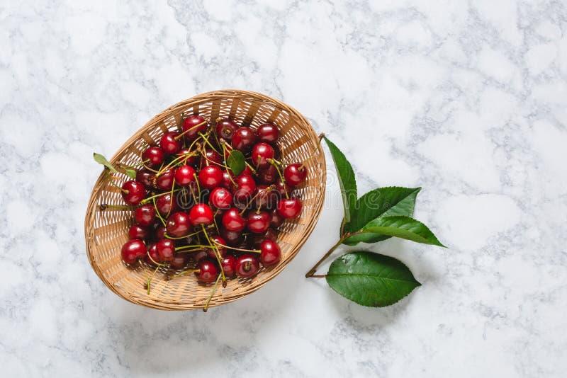 Свежие вишни стоковые фото
