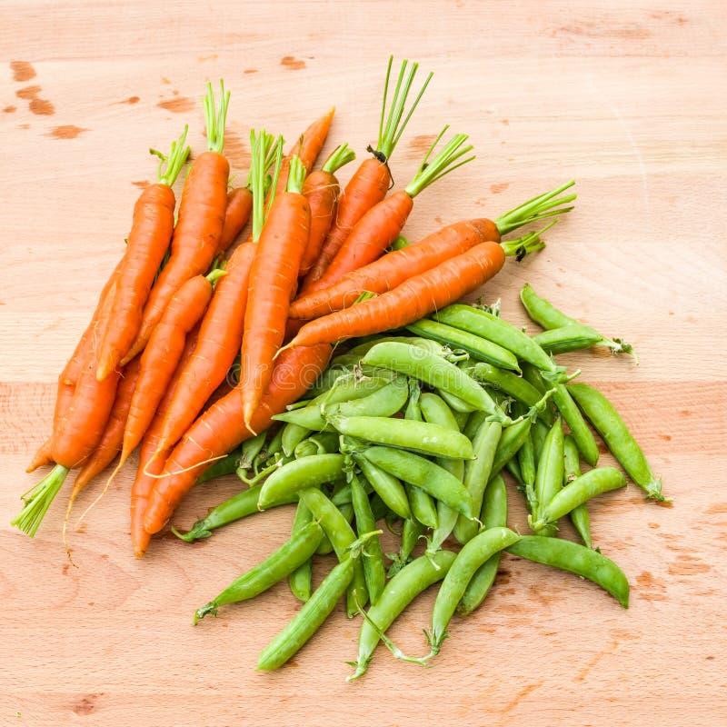 Картинки горох и морковью