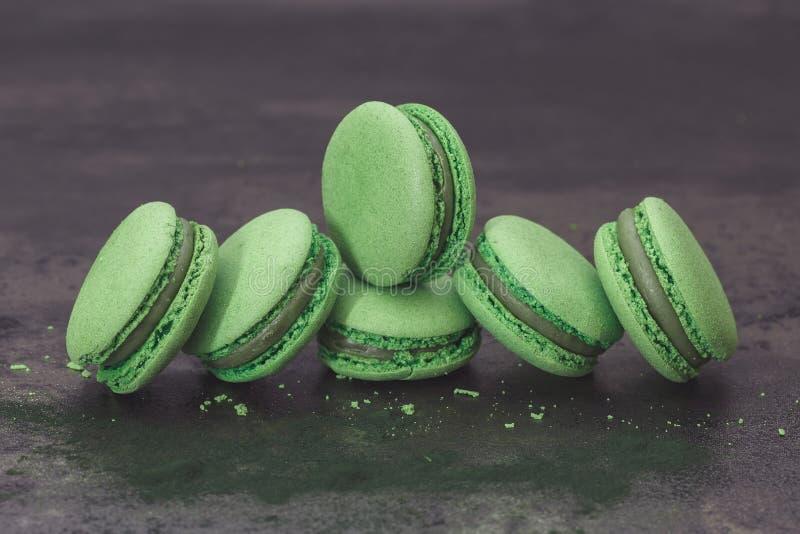 Свежие зеленые macarons, конец вверх стоковые фото