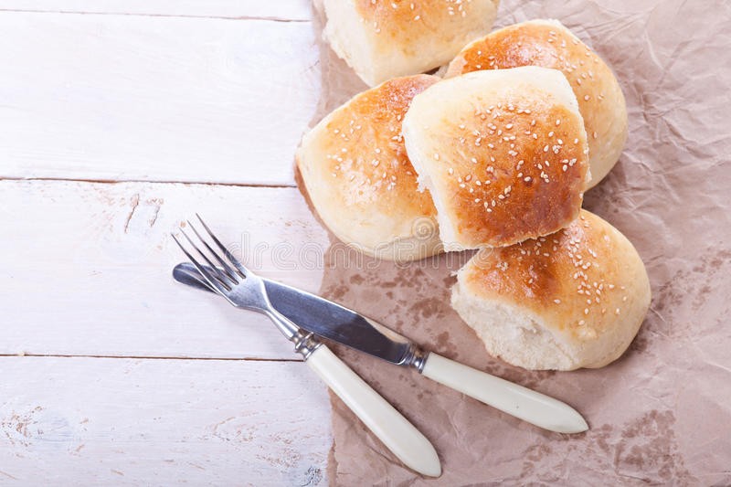 Свежие крены домодельного хлеба стоковые изображения rf