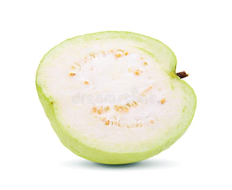 Свежие куски плодоовощ guava на белой предпосылке стоковое изображение