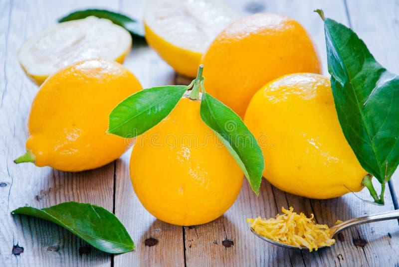 свежие лимоны органические стоковые изображения rf