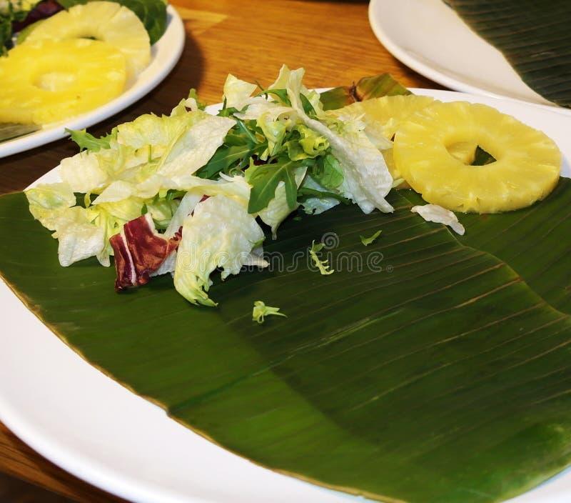 Свежие овощи и ананас стоковое изображение