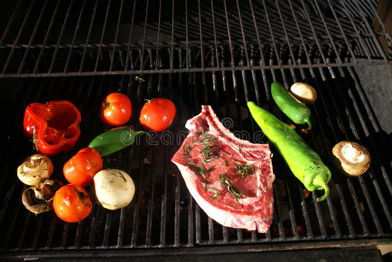 свежие овощи стейка решетки стоковое фото