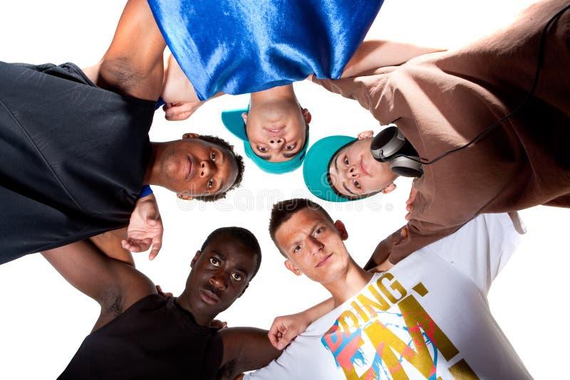 свежие подростки вальмы группы молодые стоковая фотография
