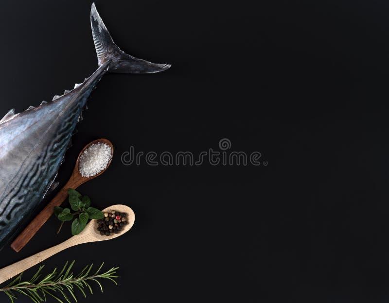 Свежие рыбы, рис и специи стоковые изображения rf