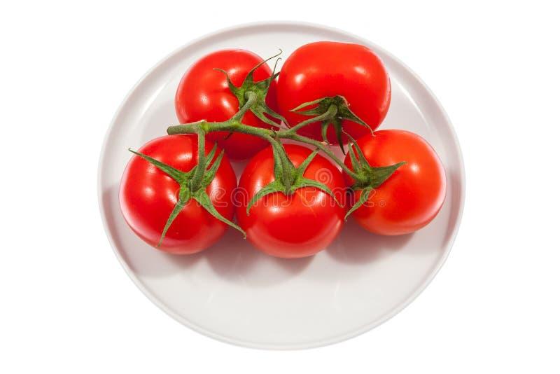 Download Свежие томаты на плите стоковое изображение. изображение насчитывающей овощ - 40576631