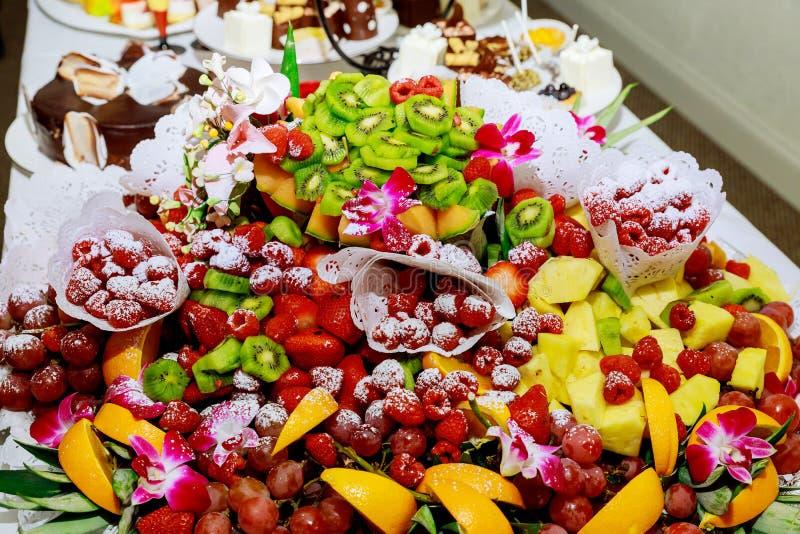 свежие фрукты ассортимента стоковая фотография