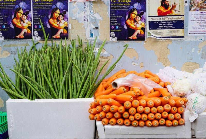 Свежие фрукты для продажи стоковые фотографии rf