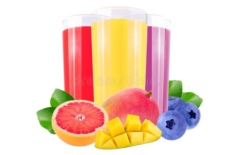 Свежие ягоды и лимонные соки над белизной стоковое фото