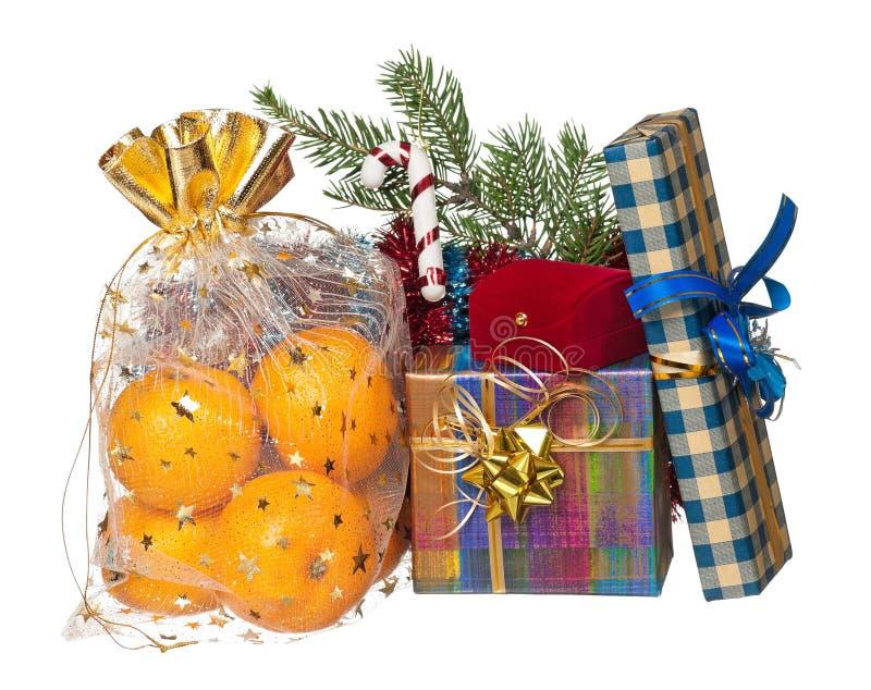 Download свежие tangerines стоковое изображение. изображение насчитывающей изолировано - 41657037