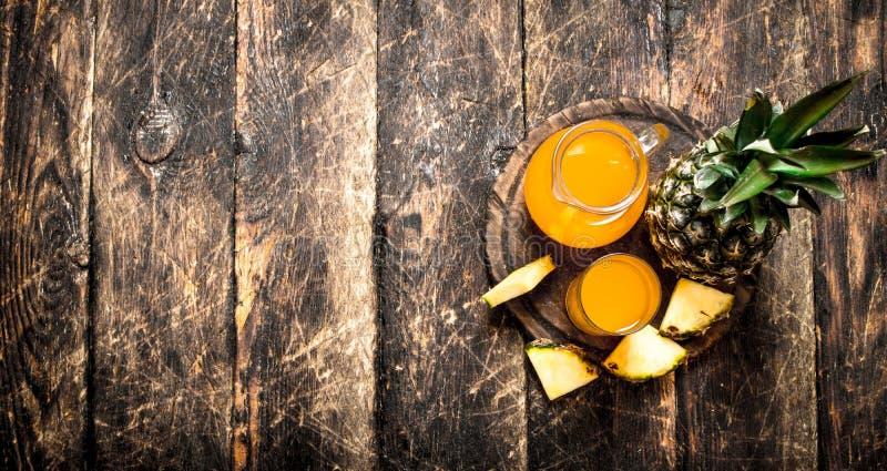 свежий ананас сока стоковые фотографии rf