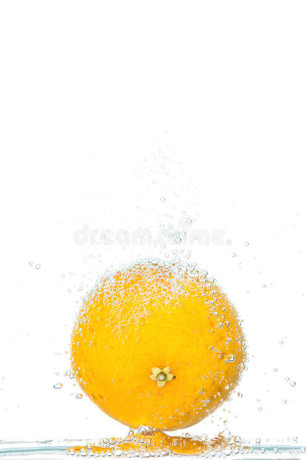 Свежий апельсин с пузырями стоковая фотография