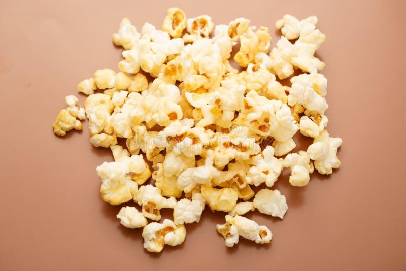 Свежий вкусный попкорн стоковые фотографии rf