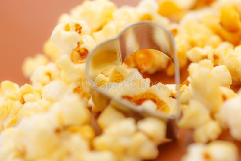 Свежий вкусный попкорн стоковое изображение