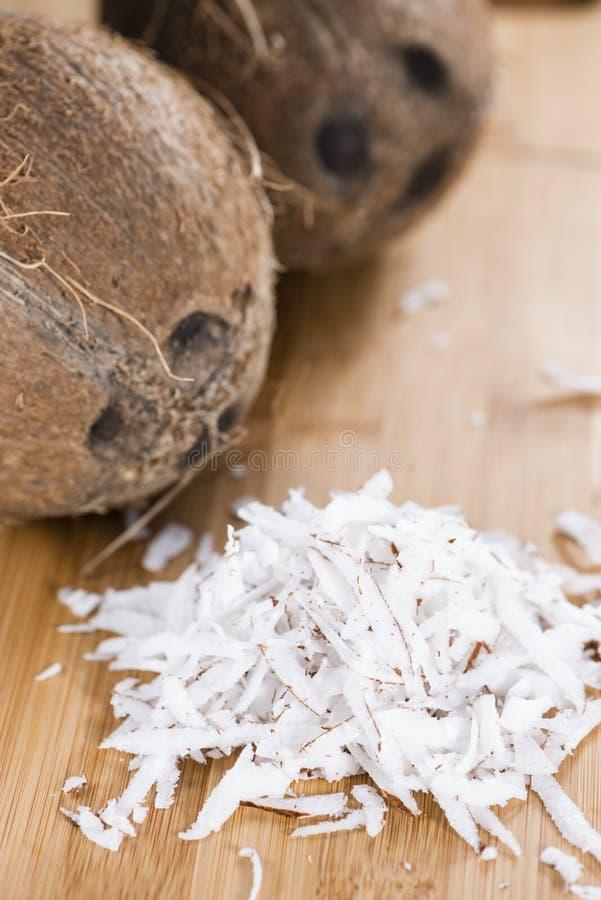 Свежий заскрежетанный кокос стоковое изображение rf