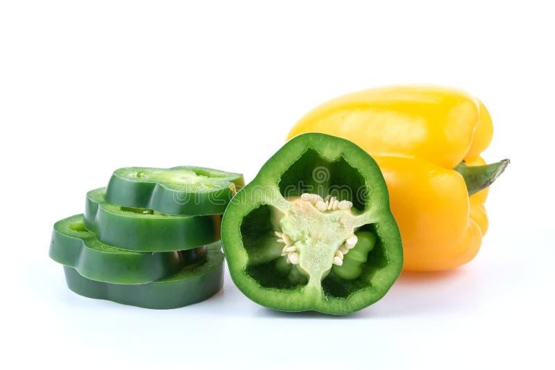 Свежий зеленый и желтый перец стоковое фото rf