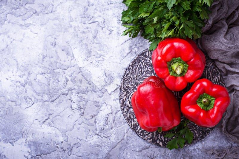 Свежий зрелый болгарский перец стоковые фото