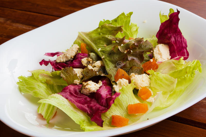 Свежий красочный салат стоковое изображение rf