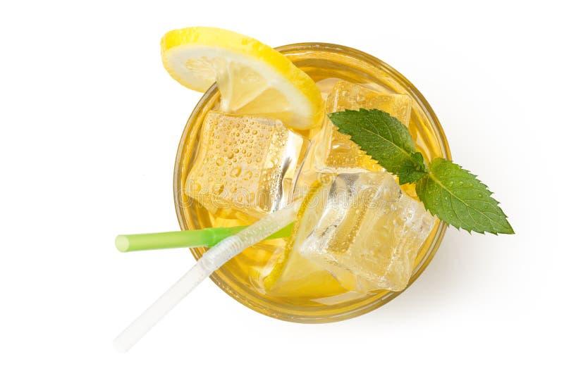 Свежий лимонад с льдом и мятой Настроение лета изолировано стоковые изображения