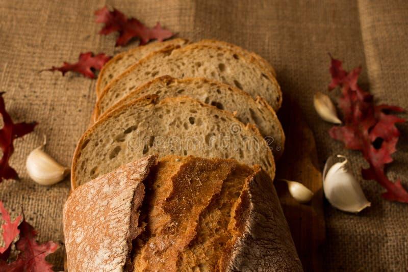 Свежий ломоть хлеба стоковые изображения rf